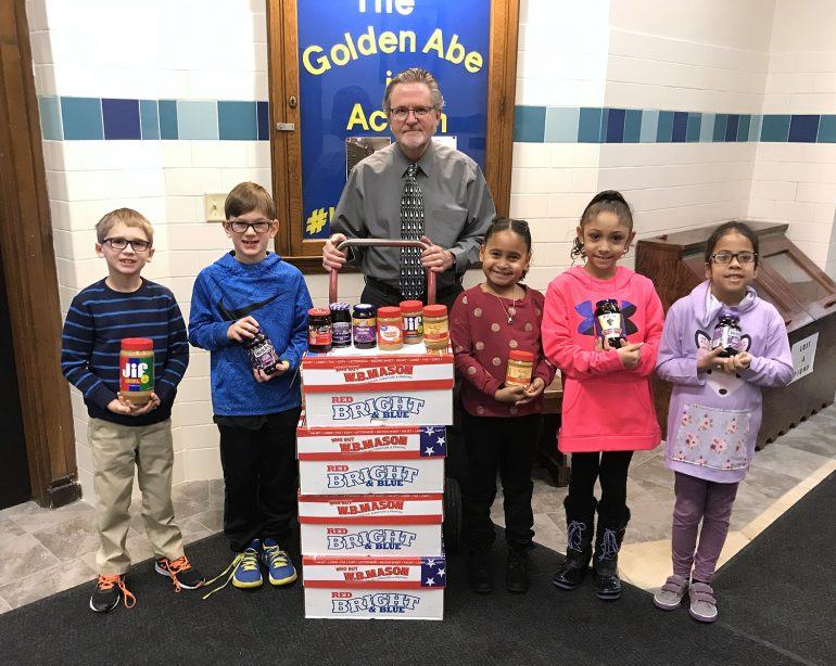 Lincoln Elementary School Donates PB & J to Boys & Girls Club